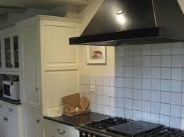 hauteur pour une hotte de cuisine installer une hotte aspirante décoration