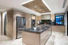 cuisine au milieu de la cuisine cuisine moderne fonctionnalies de transition style
