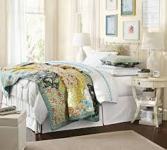 Scalloped Organic Patchwork Quilt & Sham