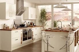 cuisines blanches et bois cuisine blanche sous le feu des projecteurs en 55 idées