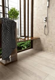natürliche optik auch im badezimmer badesign mit