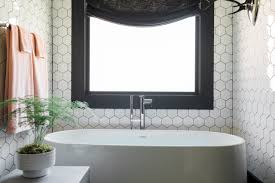 hgtv oasis 2017 master bathroom with tub the