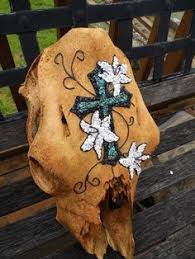Decorated Cow Skulls Pinterest by Cow Skulls Are Often Used In Western Themed Decorating Cow