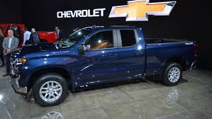 8 Things That Make The 2019 Chevy Silverado Extra Special 2018 Silverado 1500 Pickup Truck Chevrolet New 2017 3500hd Work Regular Cab In 2019 Chevy Promises To Be Gms Nextcentury Truck Preowned 2013 Hd First Drive Digital Trends Cashmax For Sale 2001 450 1999 Pictures Information Specs 8 Things That Make The Extra Special 2500hd 2d Standard Gm Teases Trucks With Front End Hood Scoop