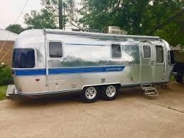 100 Antique Airstream BUYING The Perfect VINTAGE TRAILER TRASHIN