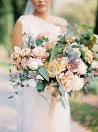 An Abundance of Floral Creativity ce Wed