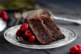by chocolate saftige schokoladentorte mit himbeeren