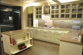 E Shaped Modular Kitchen Designer In Meerut