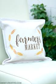 25 easy decorative pillow tutorials make throw pillows how to
