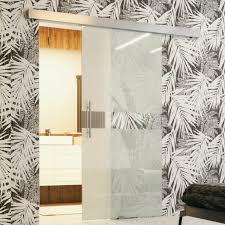 schwebetür goma i stilvoll glastür glas wohnzimmer