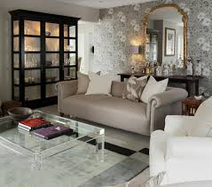 klassisches wohnzimmer in grautönen mit bild kaufen