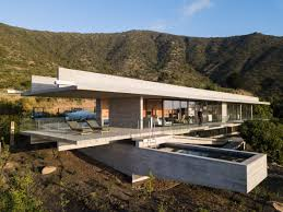 100 Houses In Chile Felipe Assadis Linear H House Stretches Along The An Coast