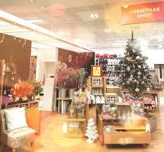 Thomas Kinkade Christmas Tree Uk by Christmastide In British Autumn U2013 The Two Cities