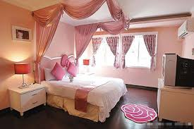 Adorable Design Inside Homes Decorate Decoration Modern Nice Of The Pinky Decorated That Has Wodoen Floor