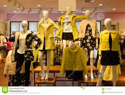 Autumn Winter Fashion Mannequins In Clothing Shop Stock Photography
