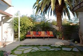 Paver Patio Ideas On A Budget by Inexpensive Landscaping Ideas To Beautify Your Yard Freshome Com
