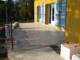 faire poser une terrasse dalle sur plots habitatpresto à