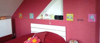 personnaliser sa chambre idée déco frise en stickers pour personnaliser une chambre