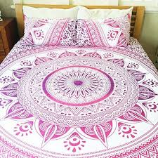 Magical Night Pink Mandala Bed cover with Set of 2 Pillows Lucinda