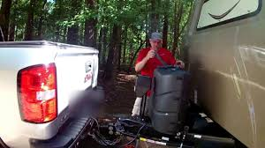 How To Disconnect Your Hitch From The Truck And Camper Trailer - YouTube
