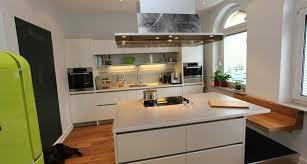 küche mit insel und sitzplatz küche haus küchen küche