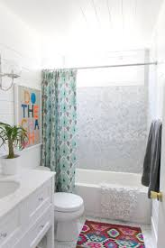 Guest Bathroom Decorating Ideas Pinterest by 1000 Ideas About Guest Bathroom Decorating On Pinterest Diy Guest