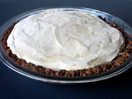 Gingersnap Pumpkin Pie Crust by Pumpkin Pie Ice Cream Pie With A Gingersnap Crust Love To Be In