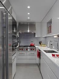 küche ohne fenster aber mit tür fotos vom inneren einer