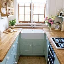 amenagement cuisine rectangulaire astuces pour aménager une trop cuisine