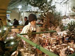Fortunoff Christmas Trees by Fortunoff Xmas Dickens Village Westbury Ny Dickens Village And