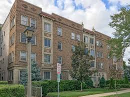 100 Coronet Apartments Milwaukee In Oakwood Shorewood WI See Photos Floor Plans More