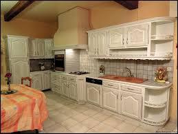 cuisine blanc cérusé ambiances bois patines cuisine couleur blanche grisée