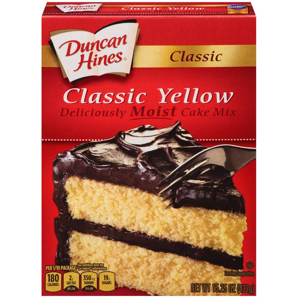 Duncan Hines Classic Yellow Deliciously Moist Cake Mix - 15.25oz