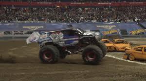 100 Monster Truck Oakland Jam Driver Pulls Off Reverse Wheelie In Syracuse