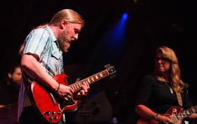 Review: Tedeschi Trucks Band Kick Off Wheels Of Soul Tour – The Poke ...