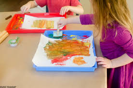 EASY FALL ART ACTIVITIES Toddlers And Preschoolers Will Love This Art Activity Easy