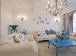 expert tips to choose the lighting for your living room