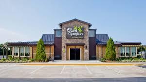 Olive Garden Parent Darden Restaurants Earnings In Line Sales