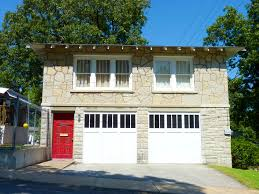 Garage With Apartments by Garage Makes Easy To Store And Organize Anything With Garage Kits