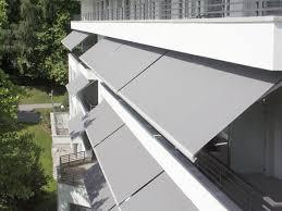 protection solaire store banne pour maison balcon et magasin