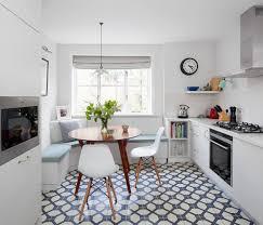 12 platzsparende ideen für essplätze in kleinen küchen