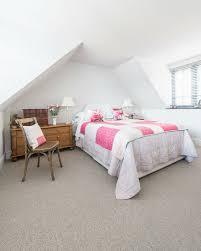 helles schlafzimmer unter dem dach mit bild kaufen