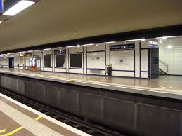 metro denis porte de file portedeparisaffichesnoires jpg wikimedia commons