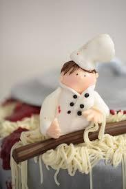 geburtstagstorte für einen koch ein topf voller spaghetti