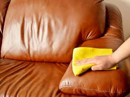 ledermöbel reinigen und pflegen tipps für weiche saubere