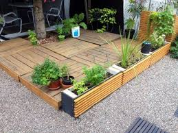 Recycled Pallet Wood Decks