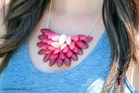 DIY Ombre Necklace From Pistachio Shells