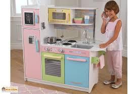 cuisine enfant 2 ans cuisine en bois pour enfants uptown pastel 1 m kidkraft