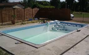 é d une construction almeida piscines