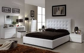 Exterior Design Traditional Bedroom Design With Tufted Bed And by Queen Bedroom Sets For The Modern Style Amaza Design